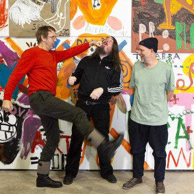 Från vänster tyska konstnärerna Daniel Richter och Jonathan Meese samt Tal R från Danmark