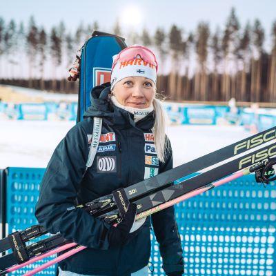 Kaisa Mäkäräinen lopetti menestyksekkään kansainvälisen uransa lauantaina kotimaisemissaan Kontiolahdella.