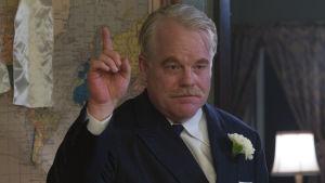 Mestarin Lancaster Dodd (Philip Seymour Hoffman).