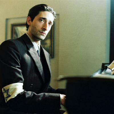 Adrien Brody elokuvassa Pianisti