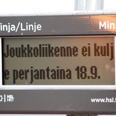 Kollektivtrafiken står i Helsingfors.