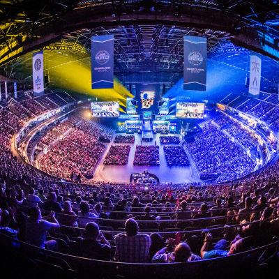 ESL One Cologne 2015 -turnaus keräsi täyden yleisön Lanxess-areenalle seuramaan kesän kovinta Counter-Strike-turnausta.