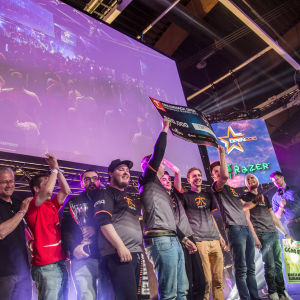 fnatic juhlii csgo-turnauksen voittoa