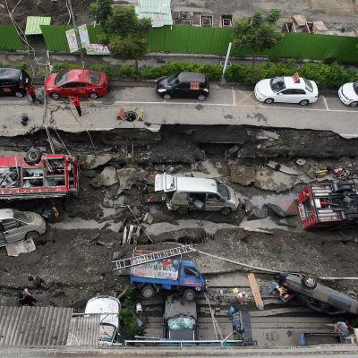 En serie kraftiga gasexplosioner har orsakat stor förödelse i Taiwan.