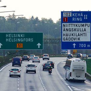 Landsvägstrafik i HUvudstadsregionen.