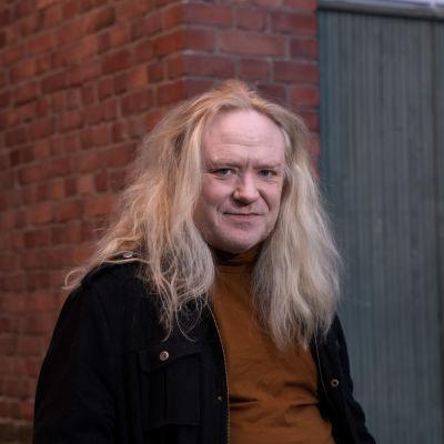 Suomalainen laulaja-lauluntekijä Jussi Hakulinen.