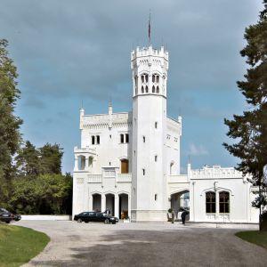 Kuningas Oskar I:n rakennuttama linna on restauroitu entiseen loistoonsa.