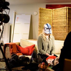 Luciakandidat intervjuas av x3m för webbvideo.