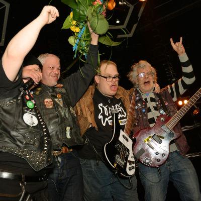 Pertti Kurikan Nimipäivät står som segrare på UMK-scenen.