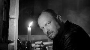 Kristian Smeds näyttelee Kalervo Palsaa.