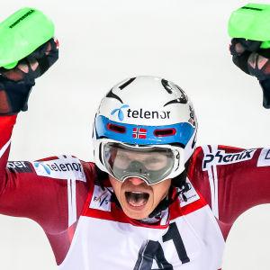 Henrik Kristoffersen tog säsongens sjätte slalomseger när han vann i Schladming.
