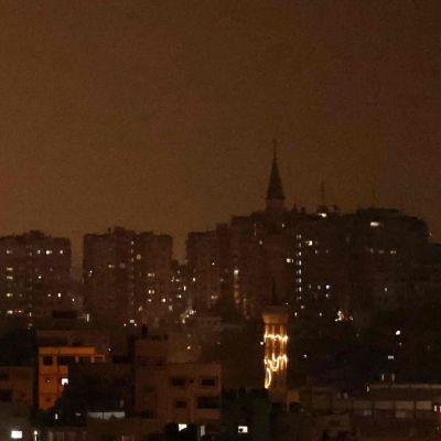 Gazan taivaalla välkehti lauantai-iltana.