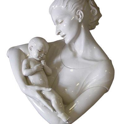 Patsas äidistä ja lapsesta