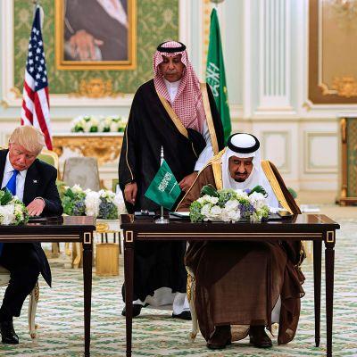 Yhdysvaltain presidentti Donald Trump ja Saudi-Arabian kuningas Salman.