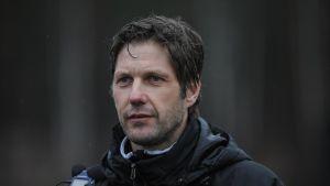 Stefan Strömbrog är tränare för EIF:S fotbollslag i division 1.