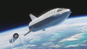 Kuvamanipulaatio, jossa Starship-alus on Super Heavy -kantoraketin päältä.