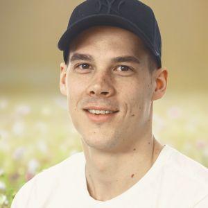 Porträttbild på handbollsproffset Nico Rönnberg