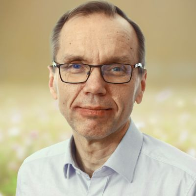 Porträttbild på biskop Björn Vikström
