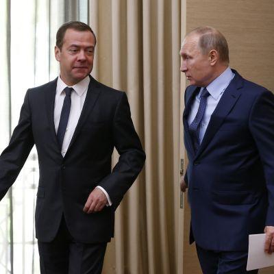 Venäjän pääministeri Dmitri Medvedev ja presidentti Vladimir Putin.