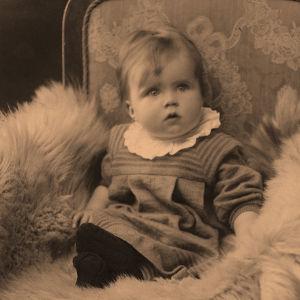 Airi Maria Siirala puolivuotiaana 1.10.1918.