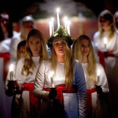 Lucia-juhlintaa Ruotsissa