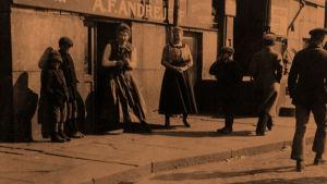 Siirtomaatavaraliike 1910-luvulla Helsingissä