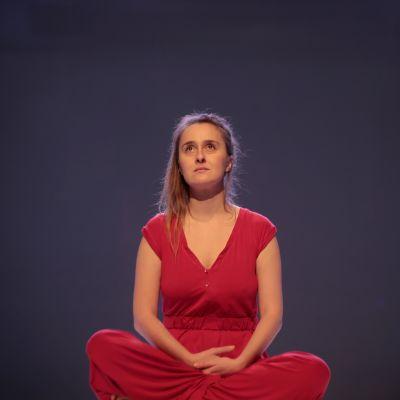 Amanda Palo esityksessään Kilari.