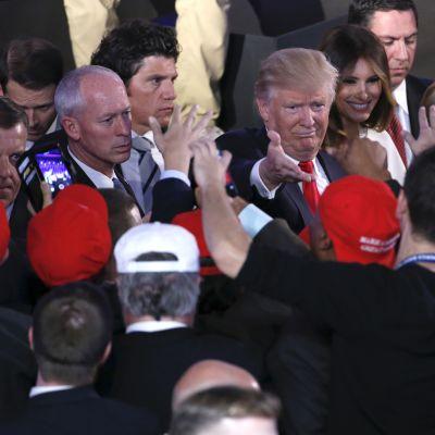 Donald Trump kuvattuna vaalinvalvojaisissaan 8. marraskuuta 2016.