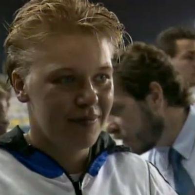 Keihäänheittäjä Päivi Alafrantti haastattelussa EM-kullan voiton jälkeen Splitissä 1990.