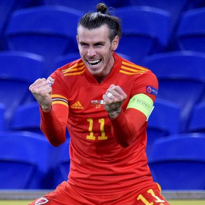 Gareth Bale firar mål i landslaget.