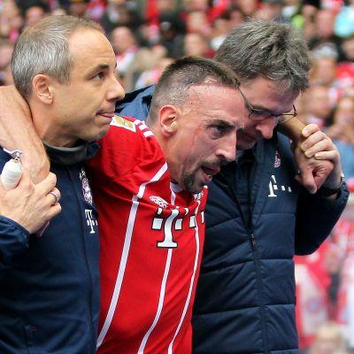 Franck Ribery assisteras av plan.
