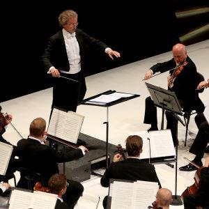 Wienin Filharmonikot Musiikkitalossa 13.6.2015.