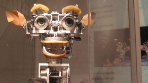 Kismet-roboten är konstruerad av ai-teknik och kan simulera känslor.