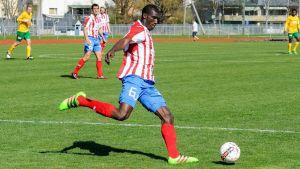Alieu Ceesay spelar i BK-46.