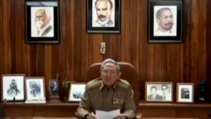 Raúl Castro meddelar att hans bror Fidel Castro har avlidit.