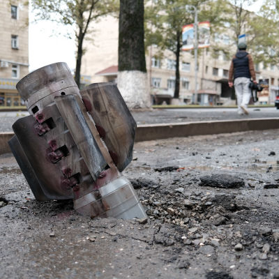 Katuun uponnut taistelukärki Stepanakertissä.