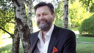 Professor Jari Tiihonen vid Yle i Böle 1.6.2014