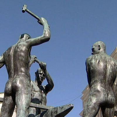 Stanna upp för statyn