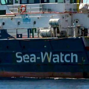 Räddningsfartyget Sea-Watch 3 i närbild.