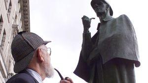 Sherlock Holmes-staty på Baker Street i London.