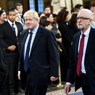 Pääministeri Boris Johnson ja oppositiojohtaja Jeremy Corbyn.