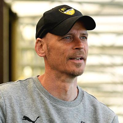 Petri Vuorinen fotograferad vid en intervju i maj 2020.