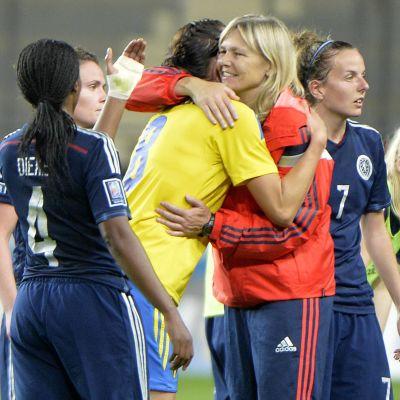 Anna Signeul kramar om Lotta Schelin.