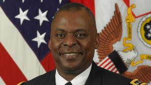 General Lloyd Austin kommenderade bland annat USA:s styrkor i Mellanöstern innan han gick i pension år 2016.