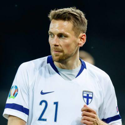 Kasper Hämäläinen spelade från start i Finlands EM-kvalpremiär borta mot Italien i mars 2019.