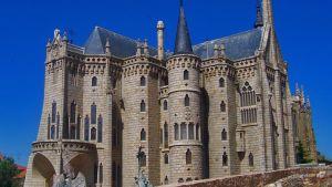 Gaudin suunnittelema linna
