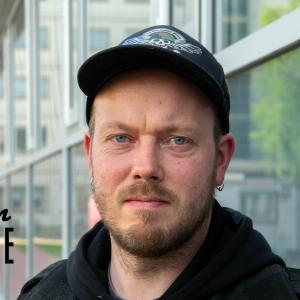 Låtskrivare Mikael Grönroos.