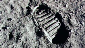Neil Armstrongs stövelavtryck på månen.