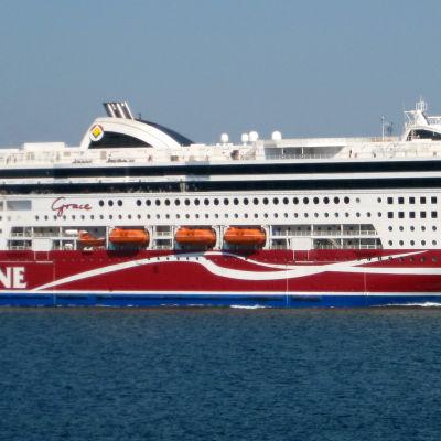 Viking Grace som sjösattes 2012 är nyast i Viking Lines flotta. Nu närmar sig rederiet ett nytt nybygge