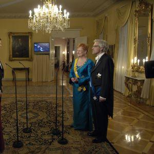 MTV3 intervjuar president Tarja Halonen och Pentti Arajärvi på slottet 2005.